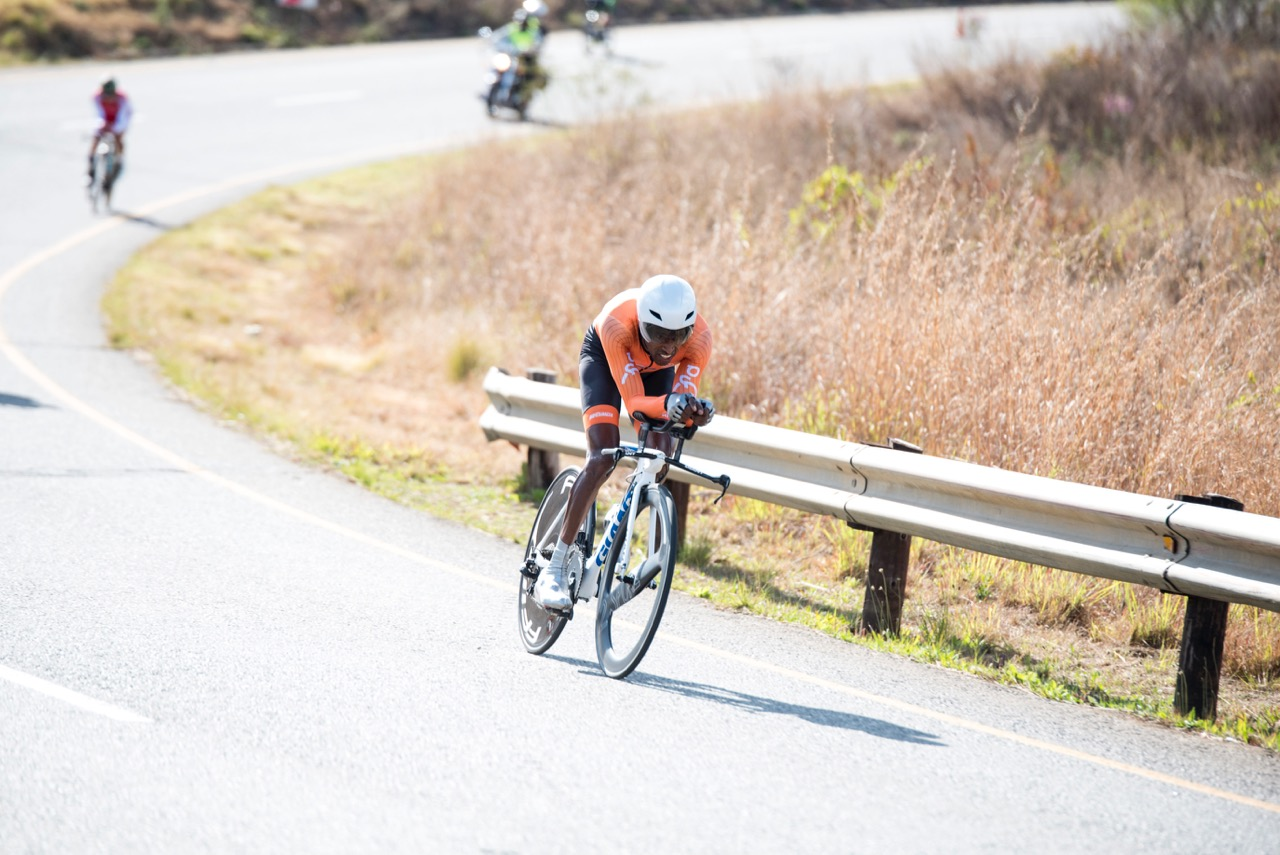 In the Men's C5 Time Trial, the penultimate event of the day, Daniel Gebru from The Netherlands claimed victory in a time of 41:07.98 along the 31.0km route during the Time Trial on Day 2 of the 2017 UCI Para-cycling Road World Championships held at Midmar Dam Howick, South Africa, on Friday 1 September 2017. Photo credit: Andrew Mc Fadden