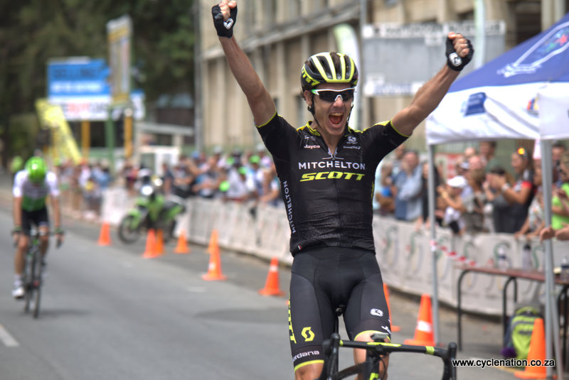 An in-form Daryl Impey (Mitchelton Scott) delivered the goods in an action-packed finale along the 153-kilometre road race course   at the 2018 SA National Road and Para-cycling Championships, which took place in the streets of Oudtshoorn from 6-11 February. 📷 www.cyclenation.co.za