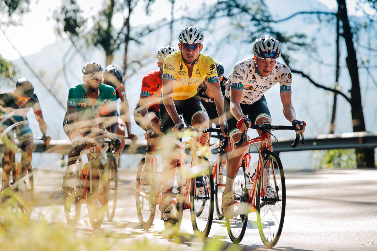 The four race jerseys – Gustav Basson (yellow – ProTouch Sports), James Fourie (polka – ProTouch Sports), Jayde Julius (red – ProTouch Sports) and Clint Hendricks (green – Team BCX) – sticking tightly together for most of the race with Christopher Lagane (Team MCB) and Jason Oosthuizen (ACDC Luso) driving hard on Stage 4 of the Tour de Limpopo from Tzaneen to Polokwane on Thursday 26 April 2018 © HaydsBrown