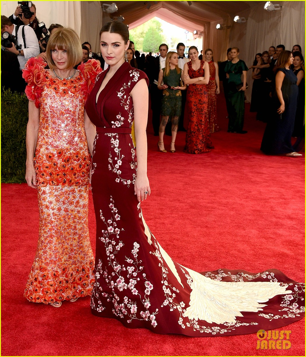 Anna Wintour and her daughter Bee Shaffer at the 2015 Met Gala. Image: Just Jared.