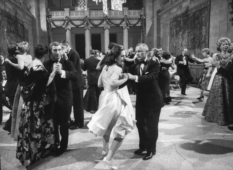 Metropolitan Museum Fashion Ball (Met Gala), circa 1960. Image: Time.