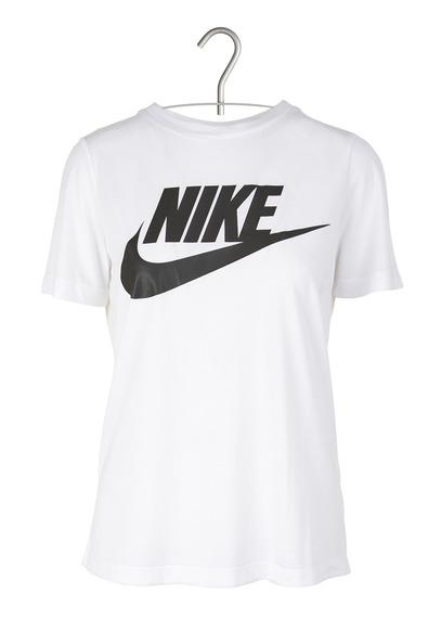 Nike T-shirt; image via Place de tendances.