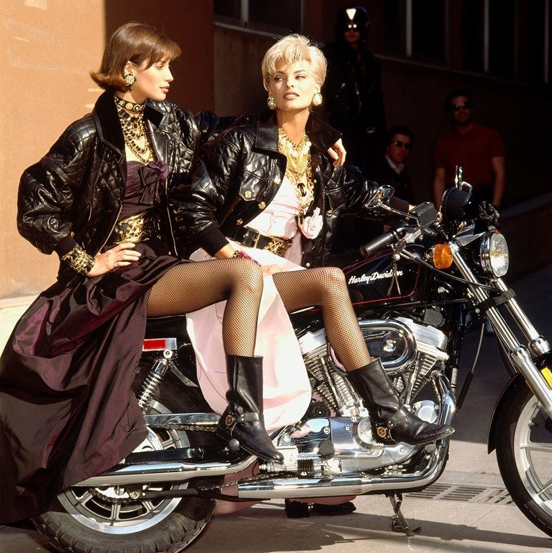1999 Chanel Campaign with Christy Turlington and Linda Evangelista.