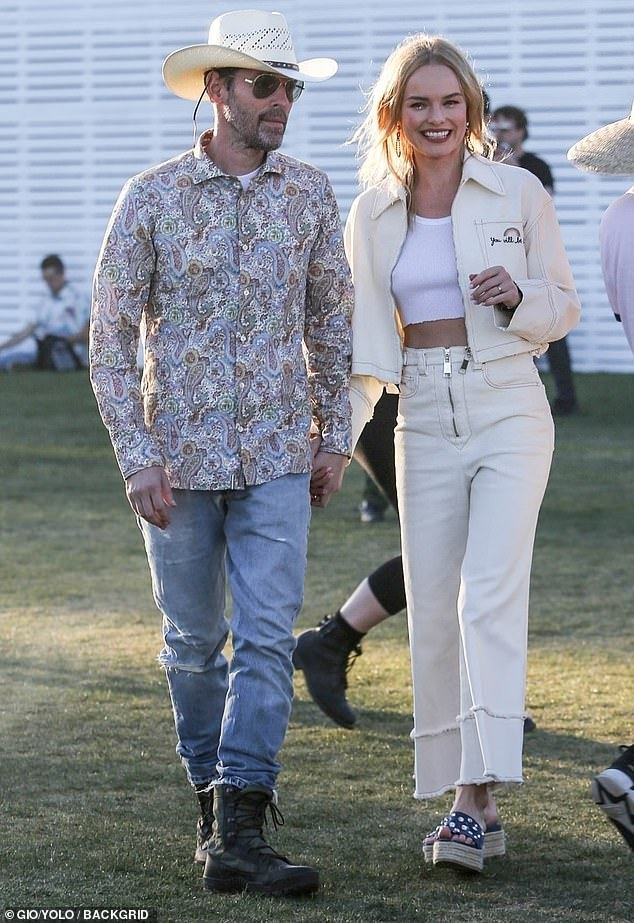 Kate Bosworth in cropped flares; image via Daily Mail