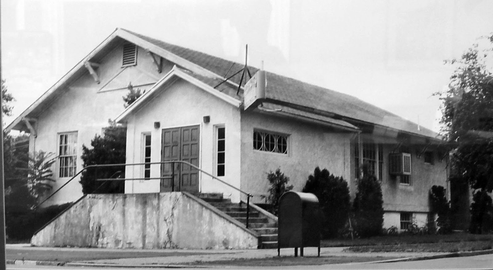 Union Gospel Mission, 202 W Birch.JPG