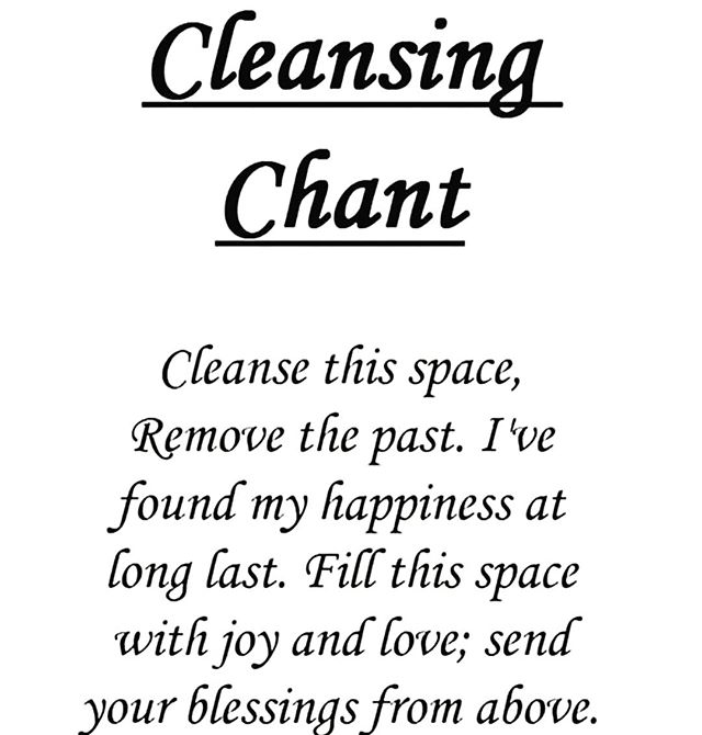 ☀️Good morning! Start your day with a cleansing chant! Our words are powerful spells that can really shape our reality! ☪️Give it a try!🕉 . . . #regram: @1.spiritual
