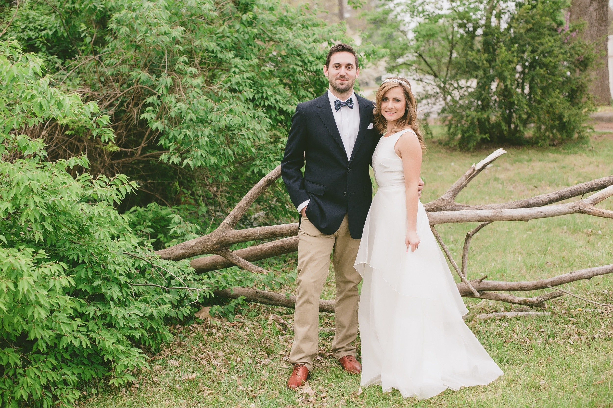 David and Kelsey | David in bowtie by Fox and Brie and Kelsey in Whitney Deal | Photo: Lady and Mister Photographie