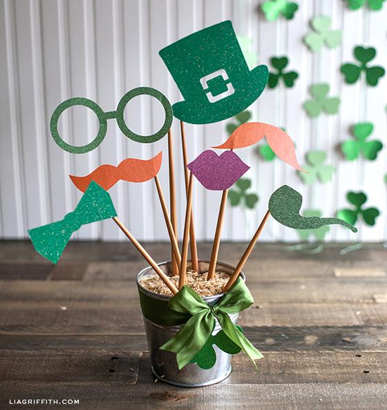 St Patrick's Day Glitter Photo Booth Propsu