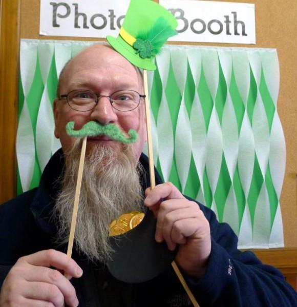 DIY Photo Booth Prop Tutorial