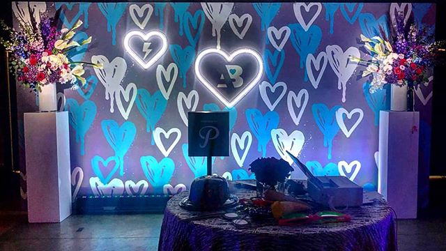 This backdrop tho 😍😍😍 Link in the bio to Book a PixiTAB Today! #amiright #getpixilated #photobooth #backdrop #partyinspo #eventprofs @partiesbyterrye