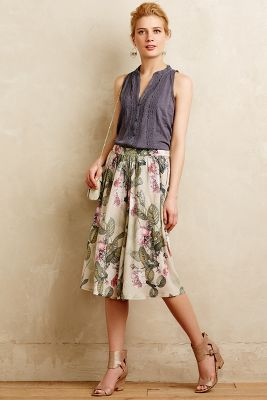 Raquel Greer Gordian displays a picture of a trendy floral culotte that is perfect for spring.