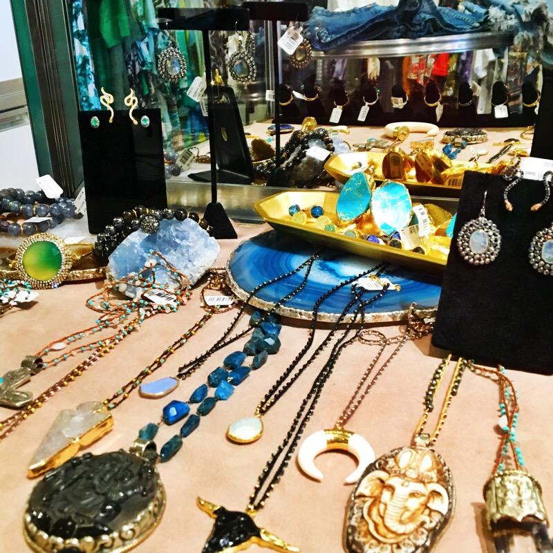 Shop Austin Style Series: Maya Star 15