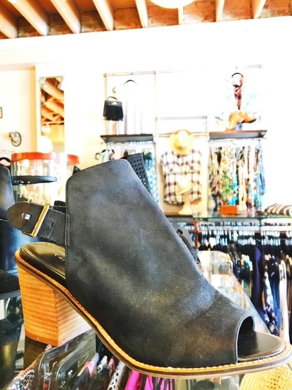 Shop Austin Style Series: Maya Star 30