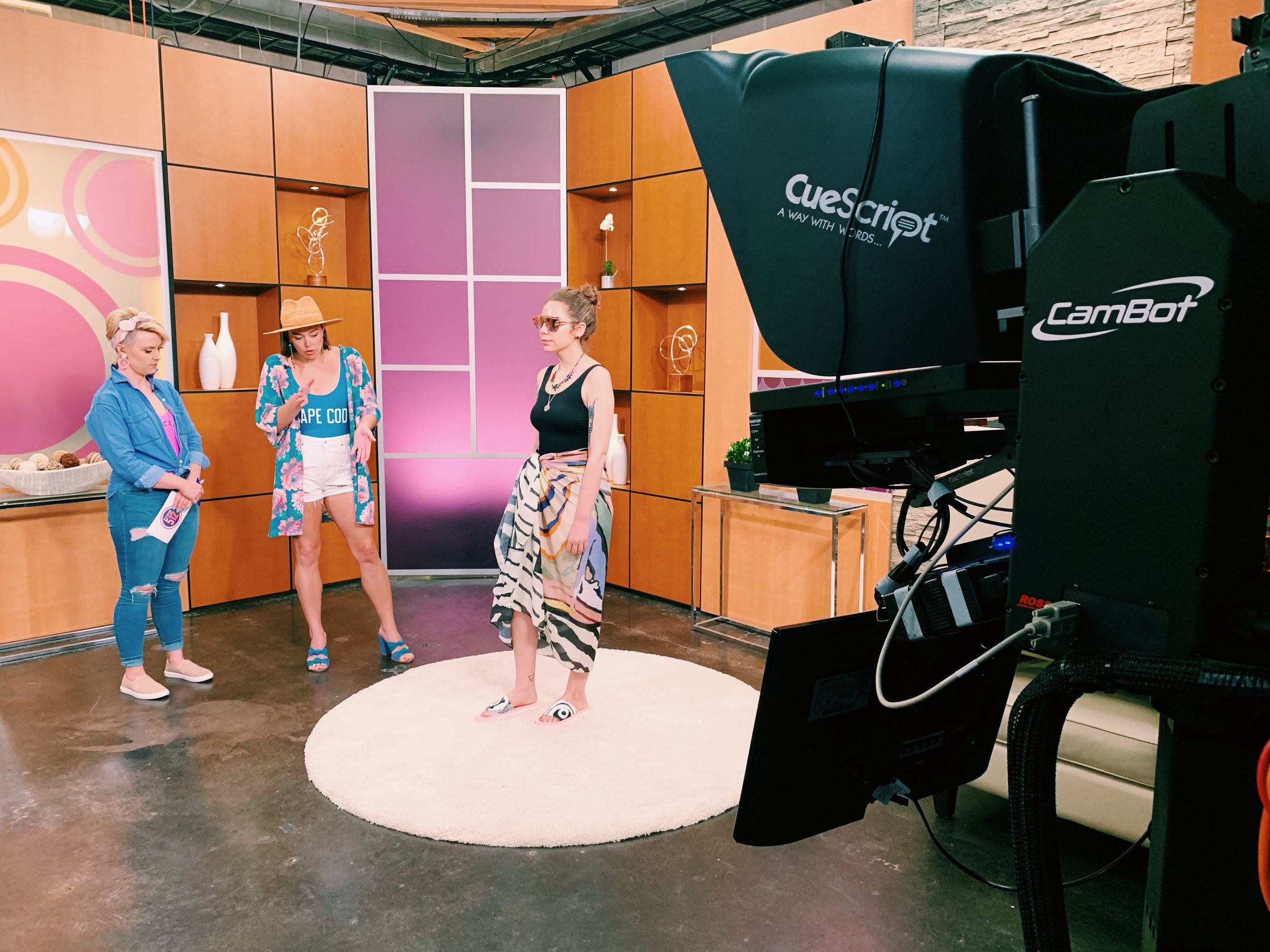 Raquel visits Studio 512 to chat all about how to piece together a pool outfit you'll love to wear this summer in Austin.