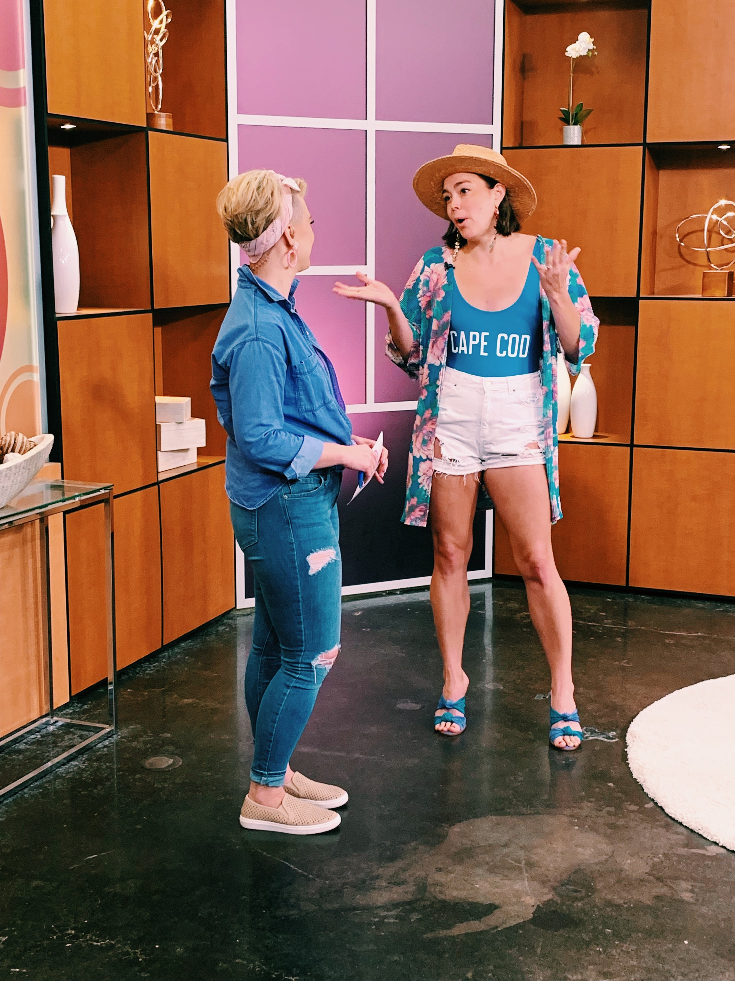 Raquel Greer Gordian visits Studio 512 to chat all about fresh and fun ways to style your swimwear this summer.