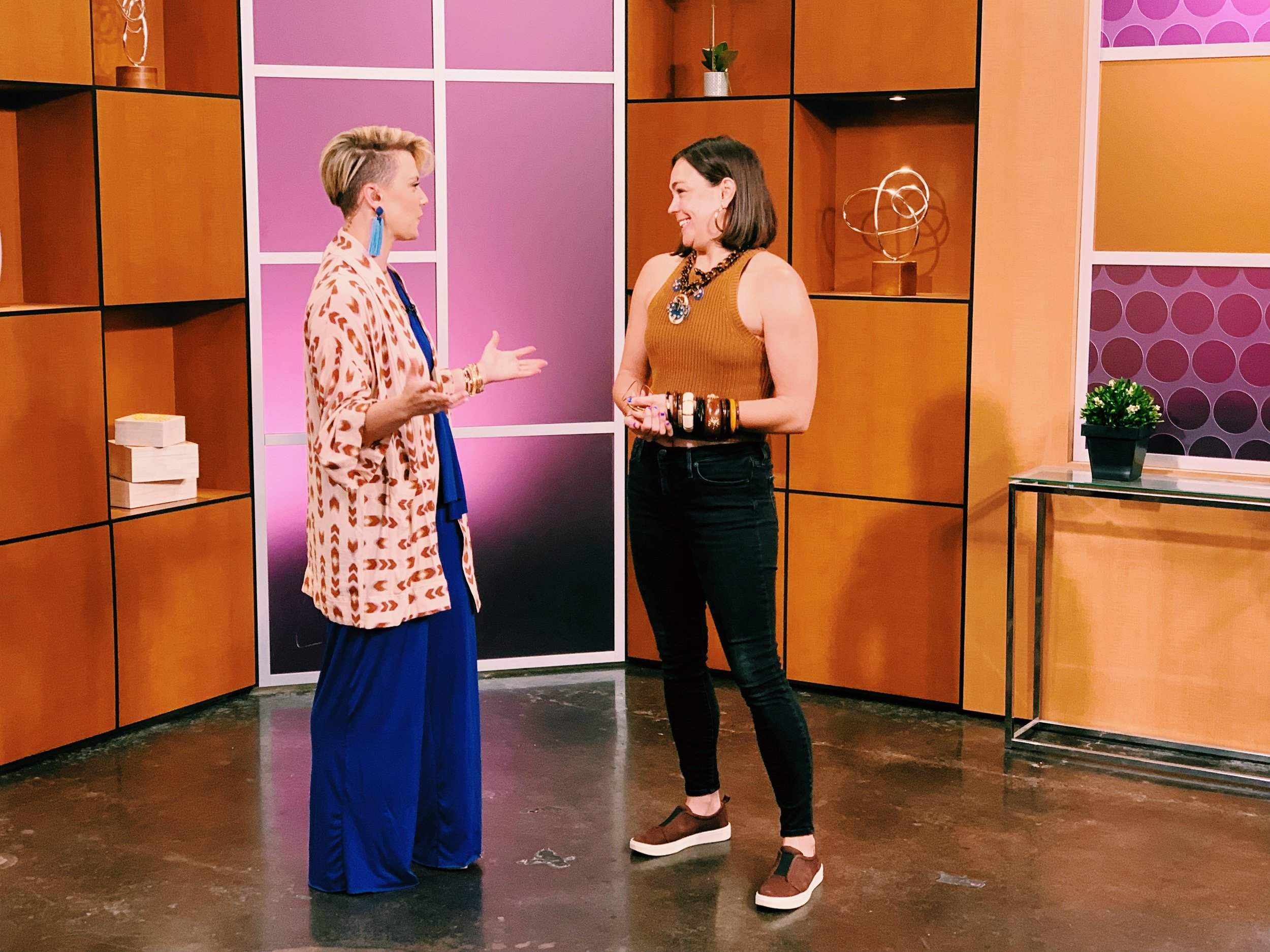 Raquel Greer Gordian and Rosie Newberry chat about how to find your balance points and use them to frame your face.
