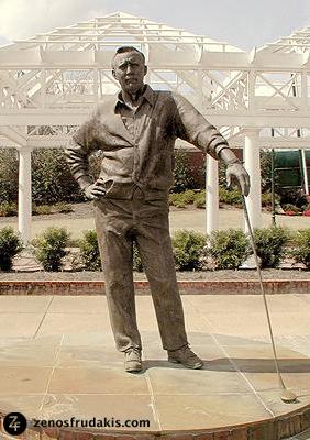 Arnold Palmer, portrait sculpture