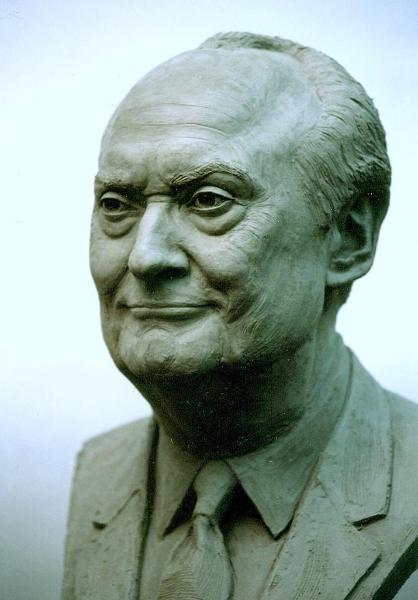 george_hillenbrand_portrait_sculpture