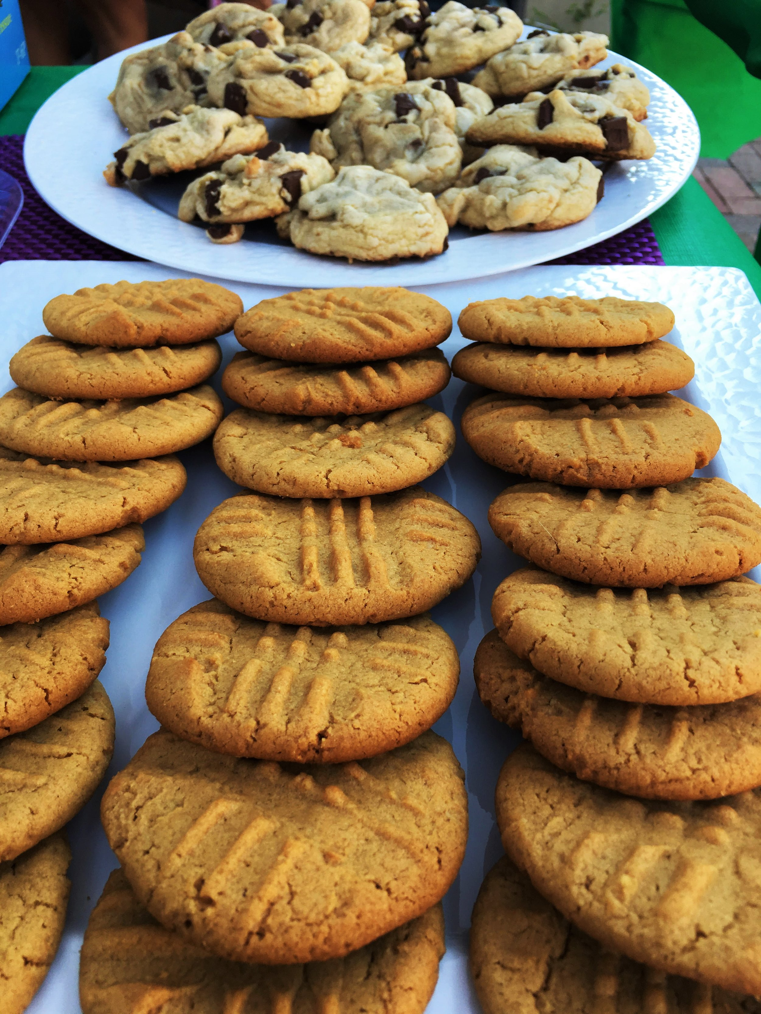 Peanut Butter Cookies and Chocolate Chip Cookies