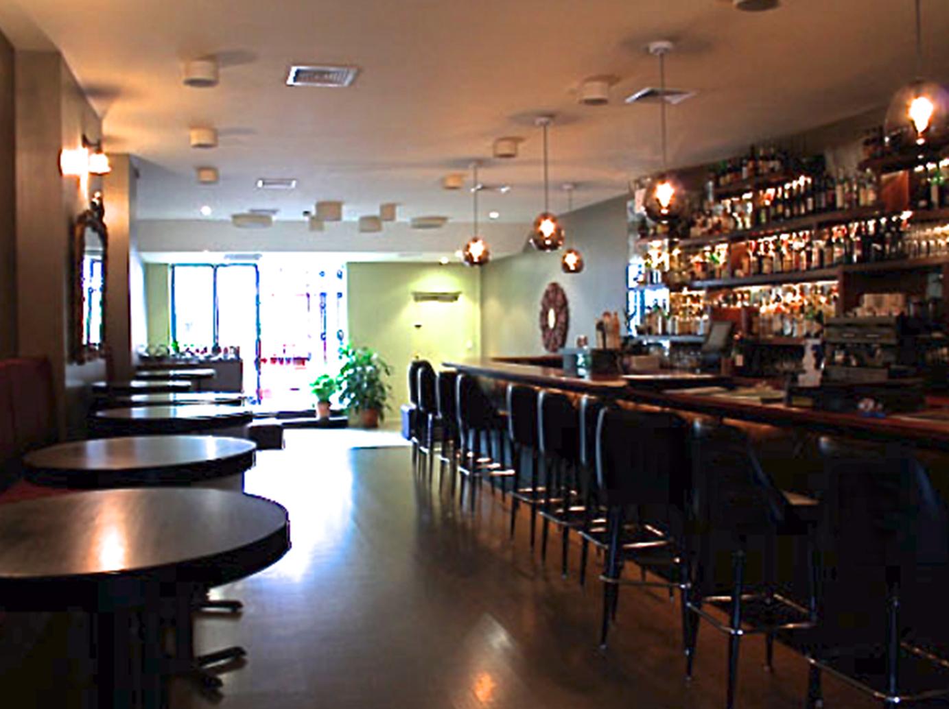 Huck Bar 2.jpg