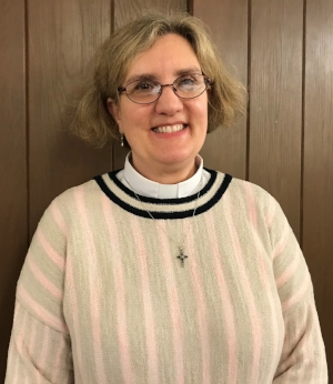 pastor elizabeth_2.jpg