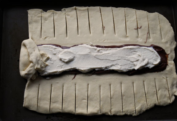 a.+braided+chocolate+hazelnut+bread+9.jpg