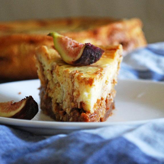 Cheesecake with Dulce de Leche Cortada