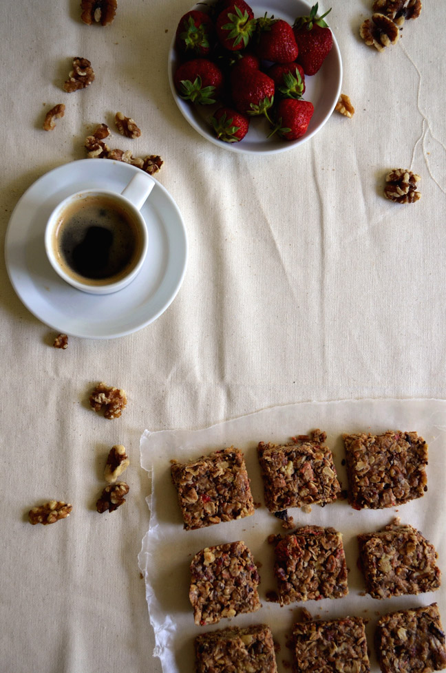 No-Bake Chewy Granola Bars | Pass the Cocoa