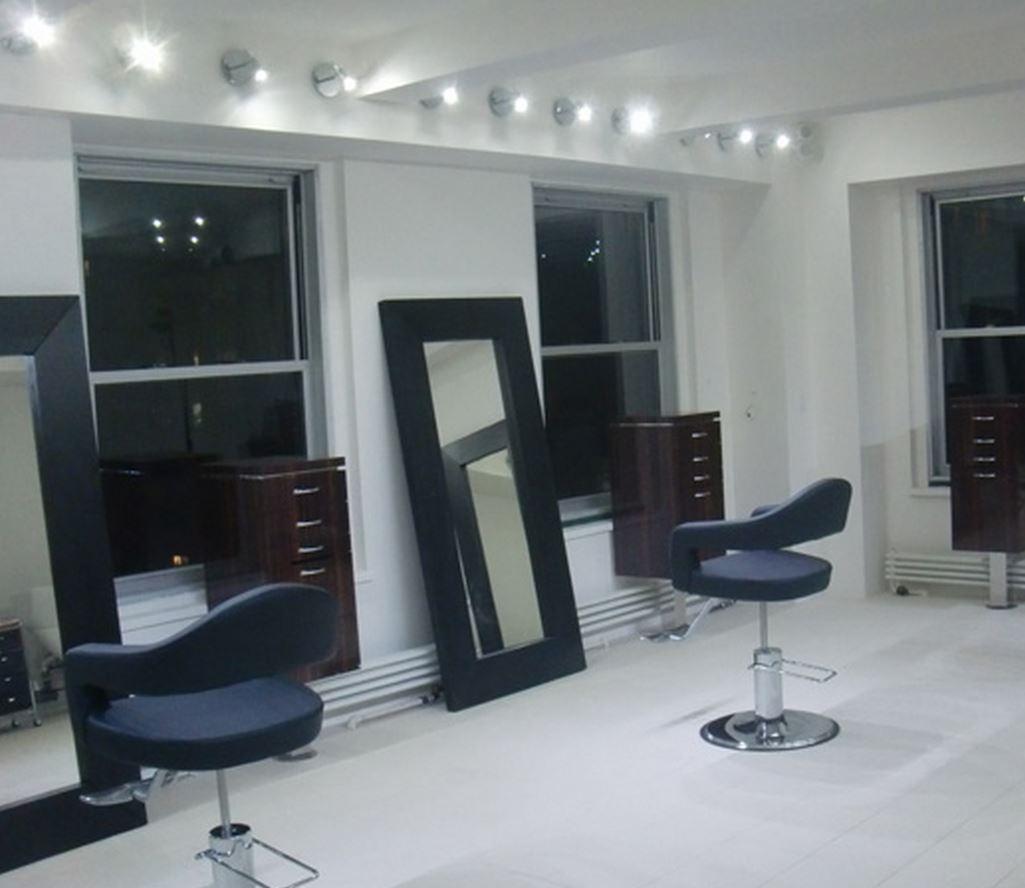 4 salon .JPG