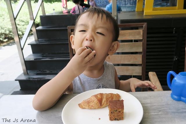 The Js Arena - Eat, Drink, Plunge @ SandBank - Breakfast Buffet