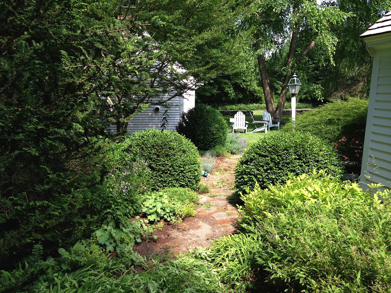 John de Lellis Gardens 121.jpg