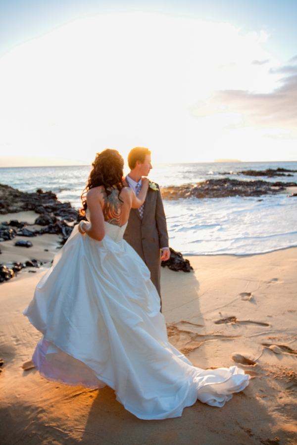 In honor of wedding destination talk and celebrating our EIGTH wedding Anniversary next month. Memories of my big day. October is a beautiful month to destin to Hawaii and get hitched.  ||Photographed by Photografied||