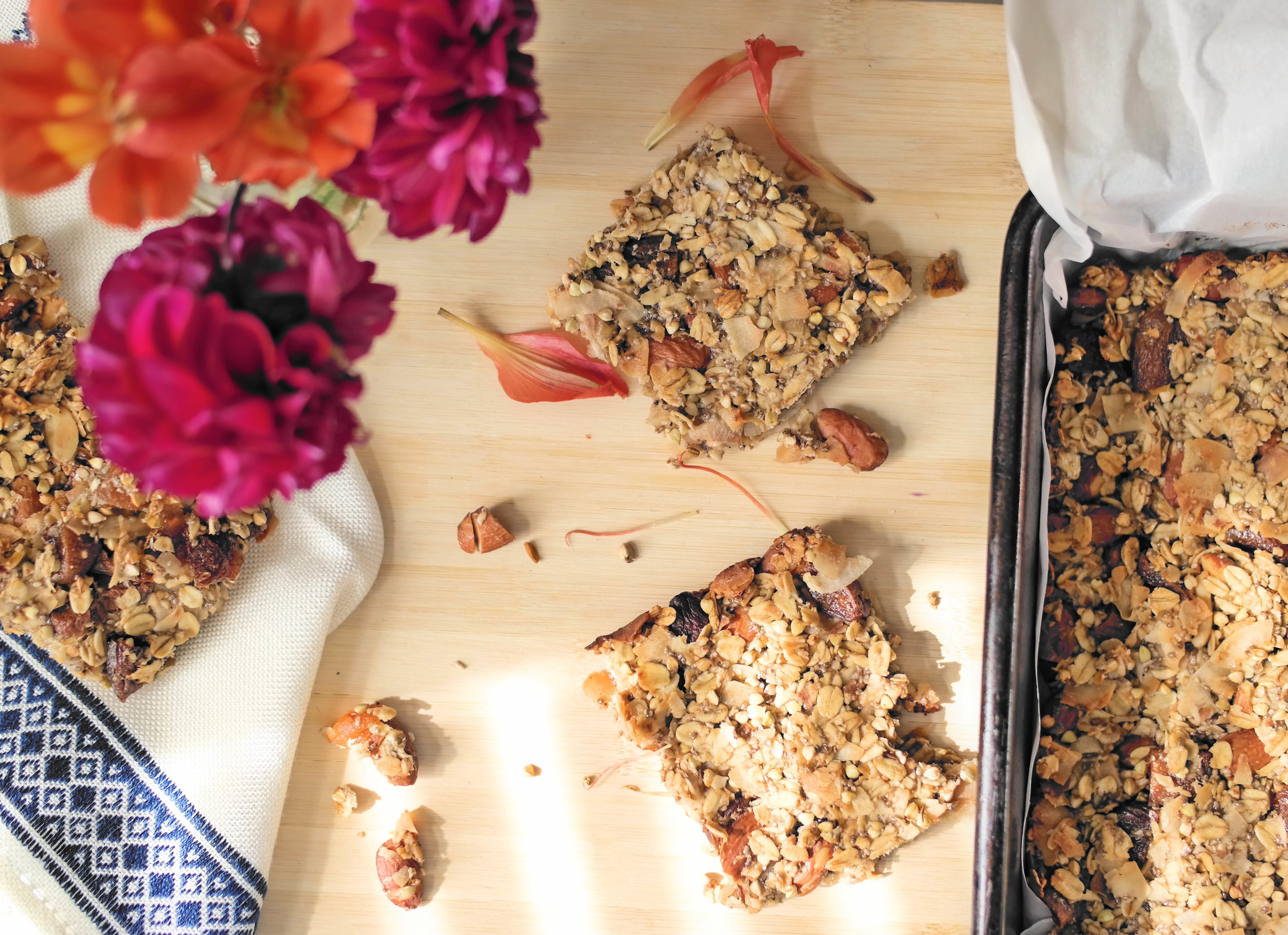 5-The-Best-Apricot-and-Coconut-Bars | www.8thandlake.com