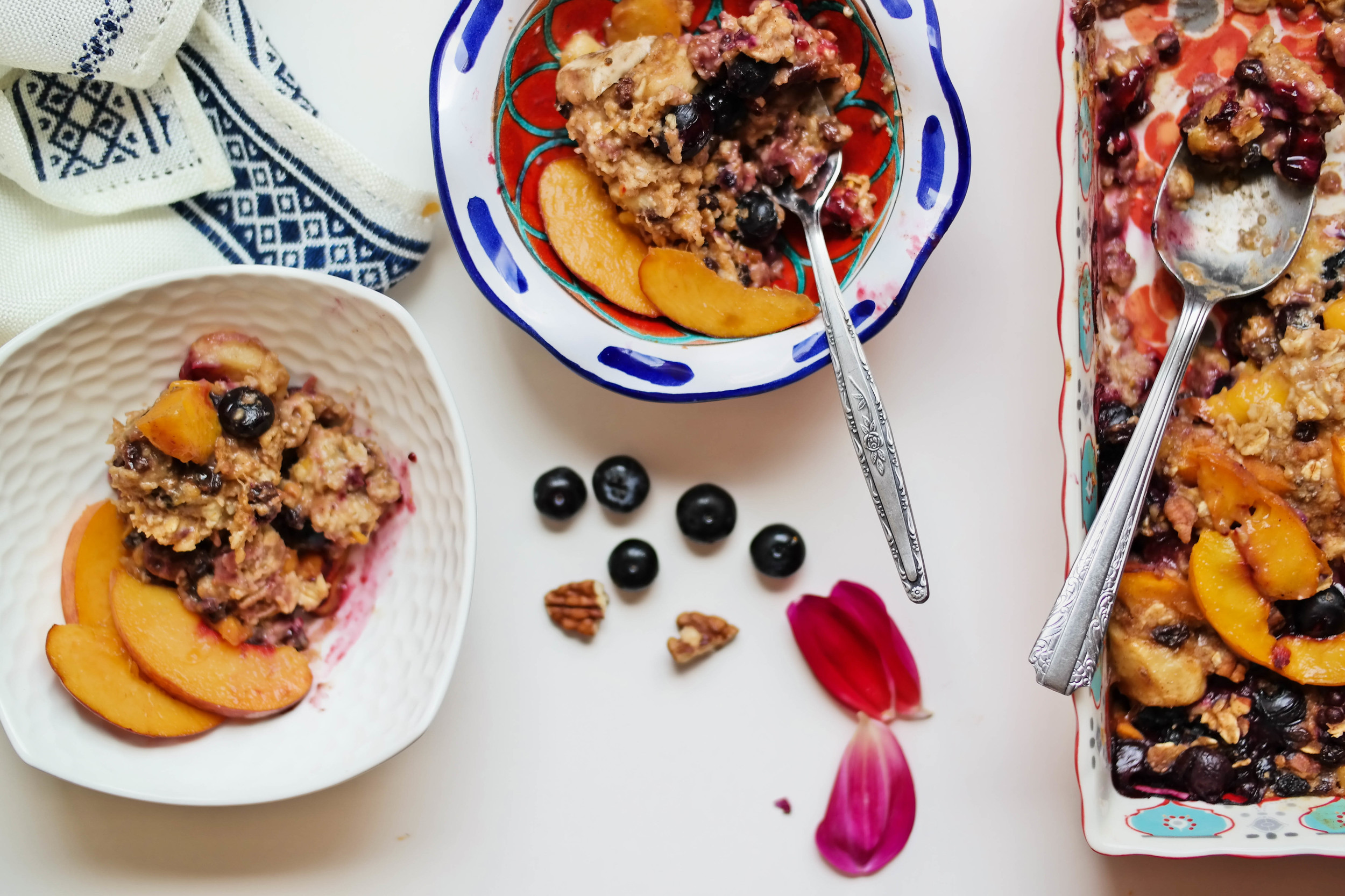 4-Baked-Peach-And-Blueberry-Oatmeal | www.8thandlake.com