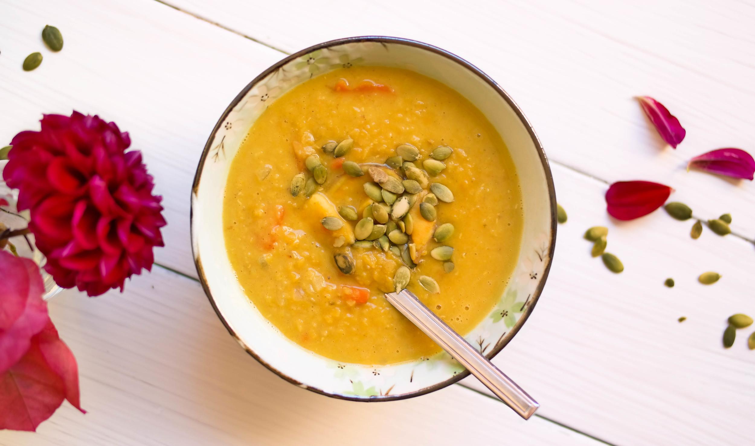 Warming-Coconut-Curry-Soup | www.8thandlake.com
