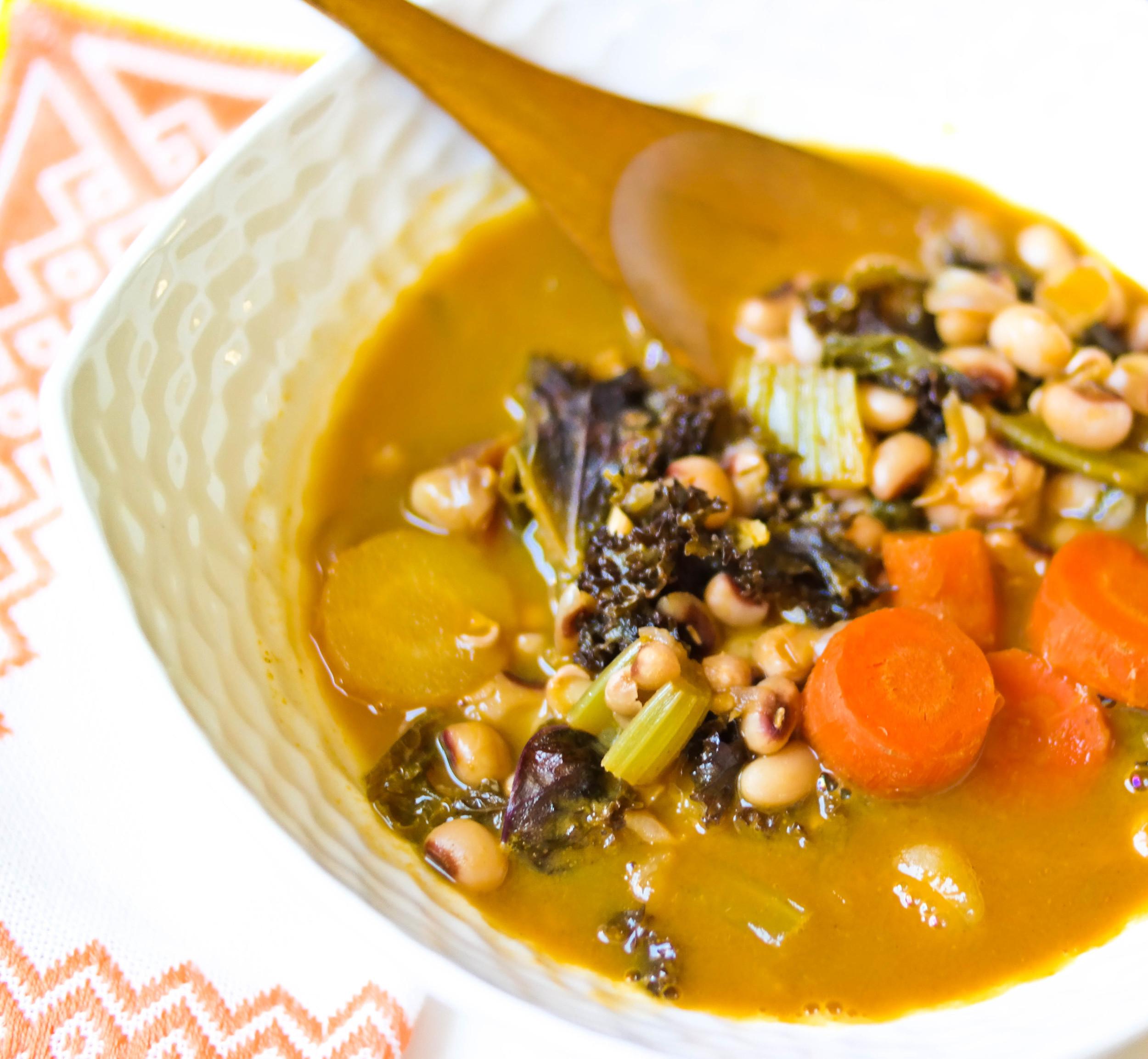 Warming-Vegetable-and-Black-Eyed-Peas-Soup | www.8thandlake.com