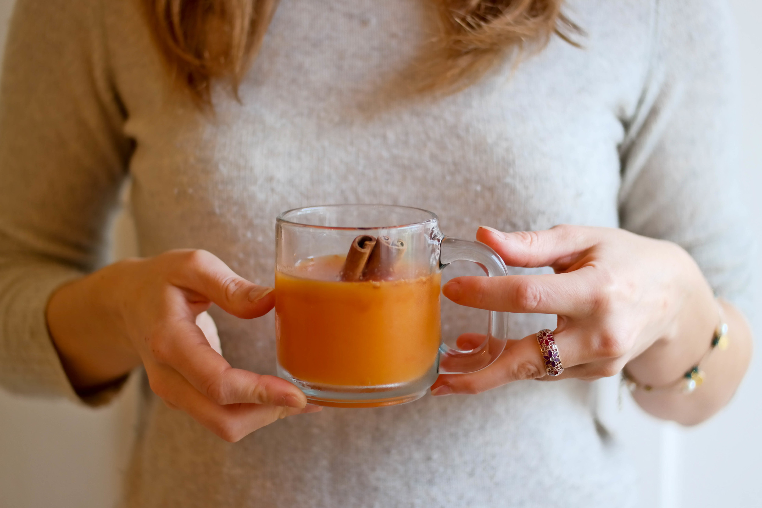 4-Warming-Apple-Cider-And-Persimmon-Juice | www.8thandlake.com