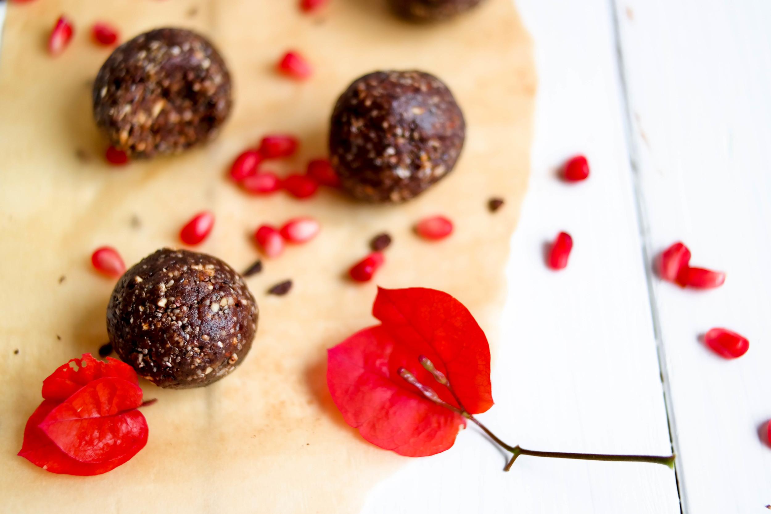 2-Nourishing-Nutella-Balls | www.8thandlake.com