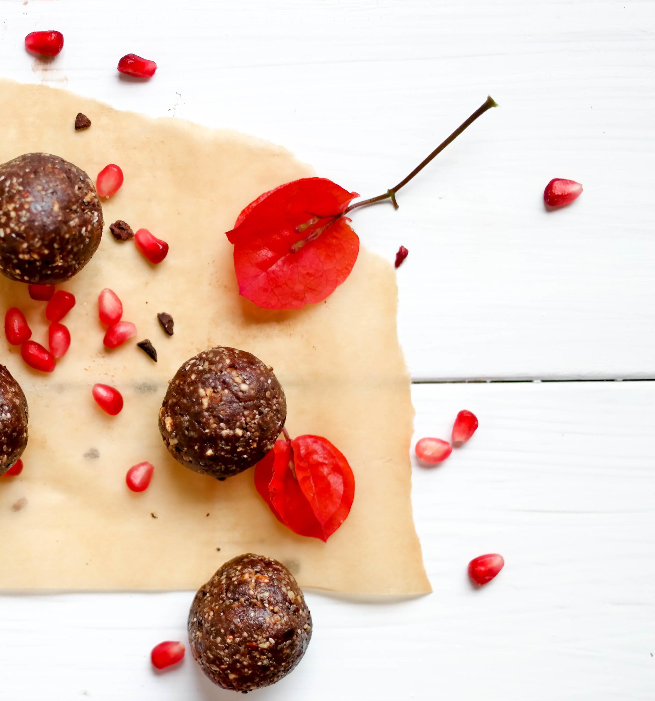 4-Nourishing-Nutella-Balls | www.8thandlake.com