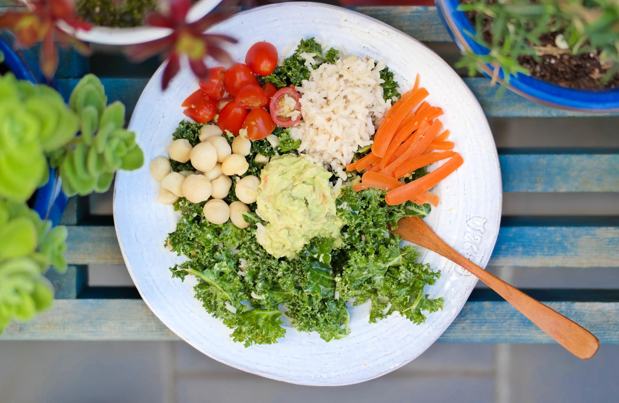 A-Spring-Kale-Salad | www.8thandlake.com