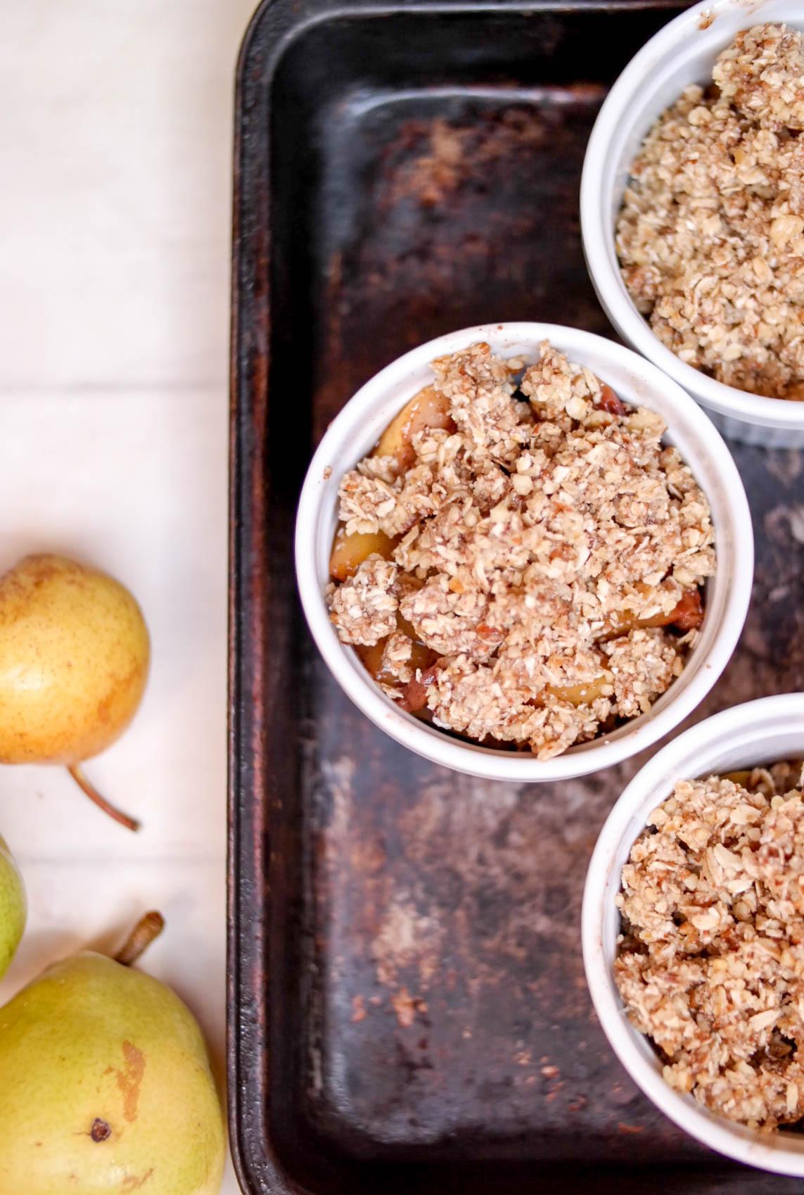 5-Nectarine-and-Pear-Crumble | www.8thandlake.com