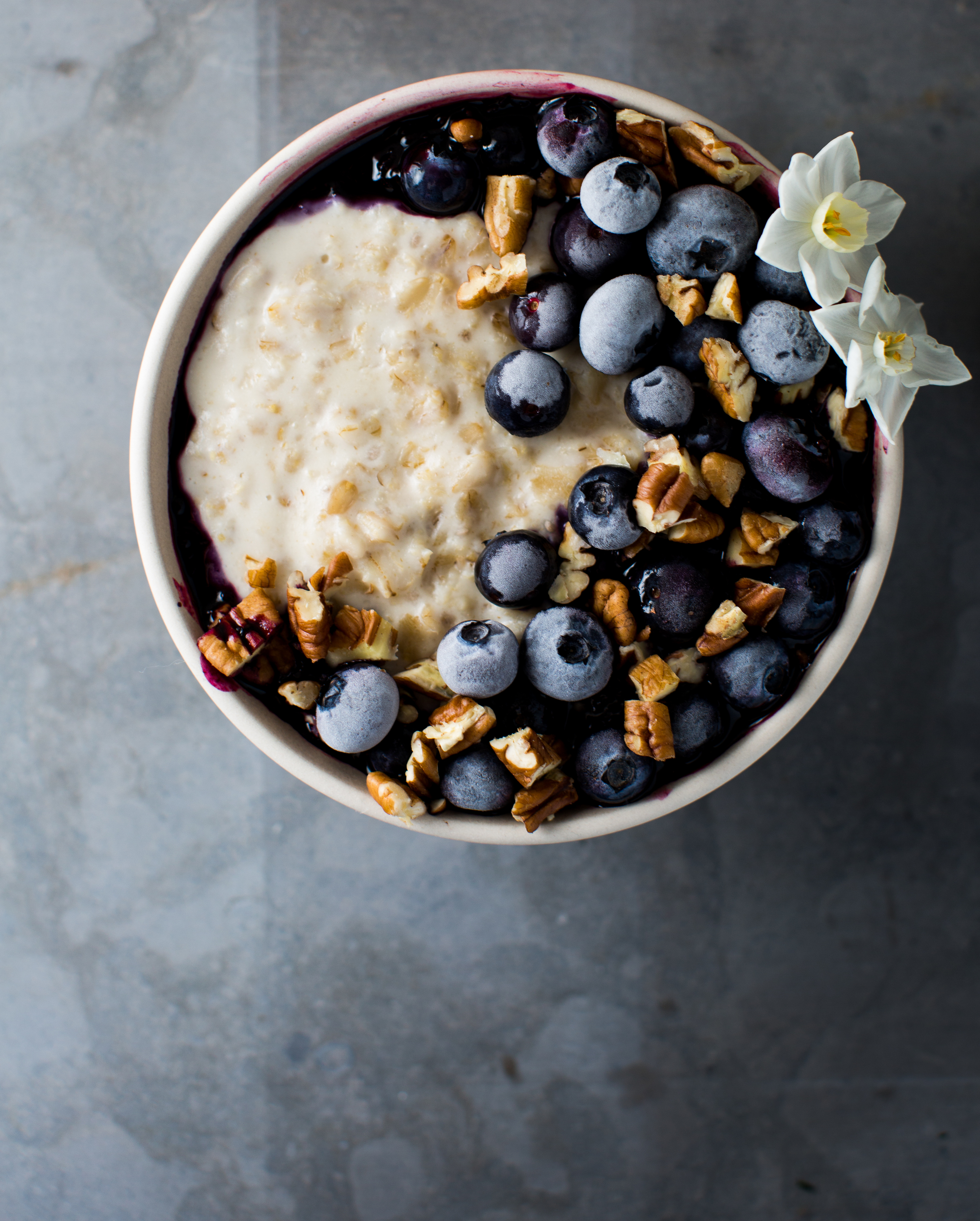 4-Macadamia-Nut-Milk-Porrisge-with-Bluberry-Lemon-Jam   www.8thandlake.com