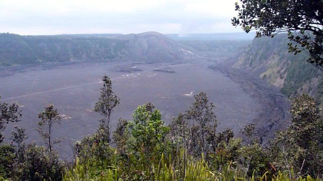This place was impressive.    In 1959 that hill - Kilauea Iki - exploded and lava spewed forth, making a lava lake!