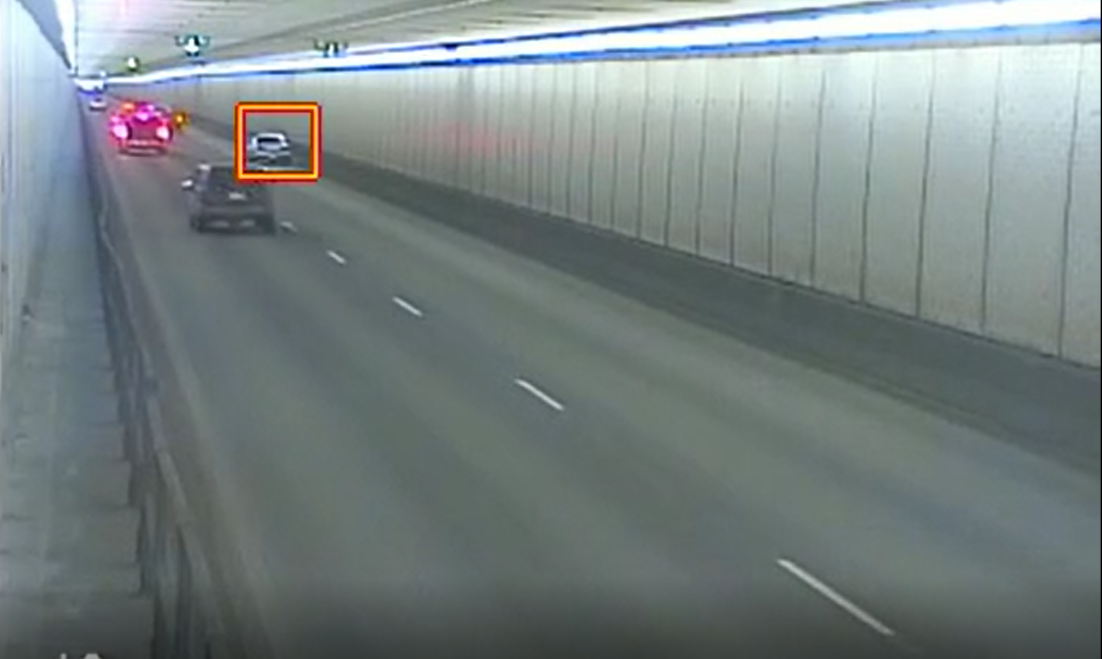 TrafficVision detects a stopped vehicle in a tunnel. Fast incident notification can result in quick emergency response and prevent potential secondary accidents.