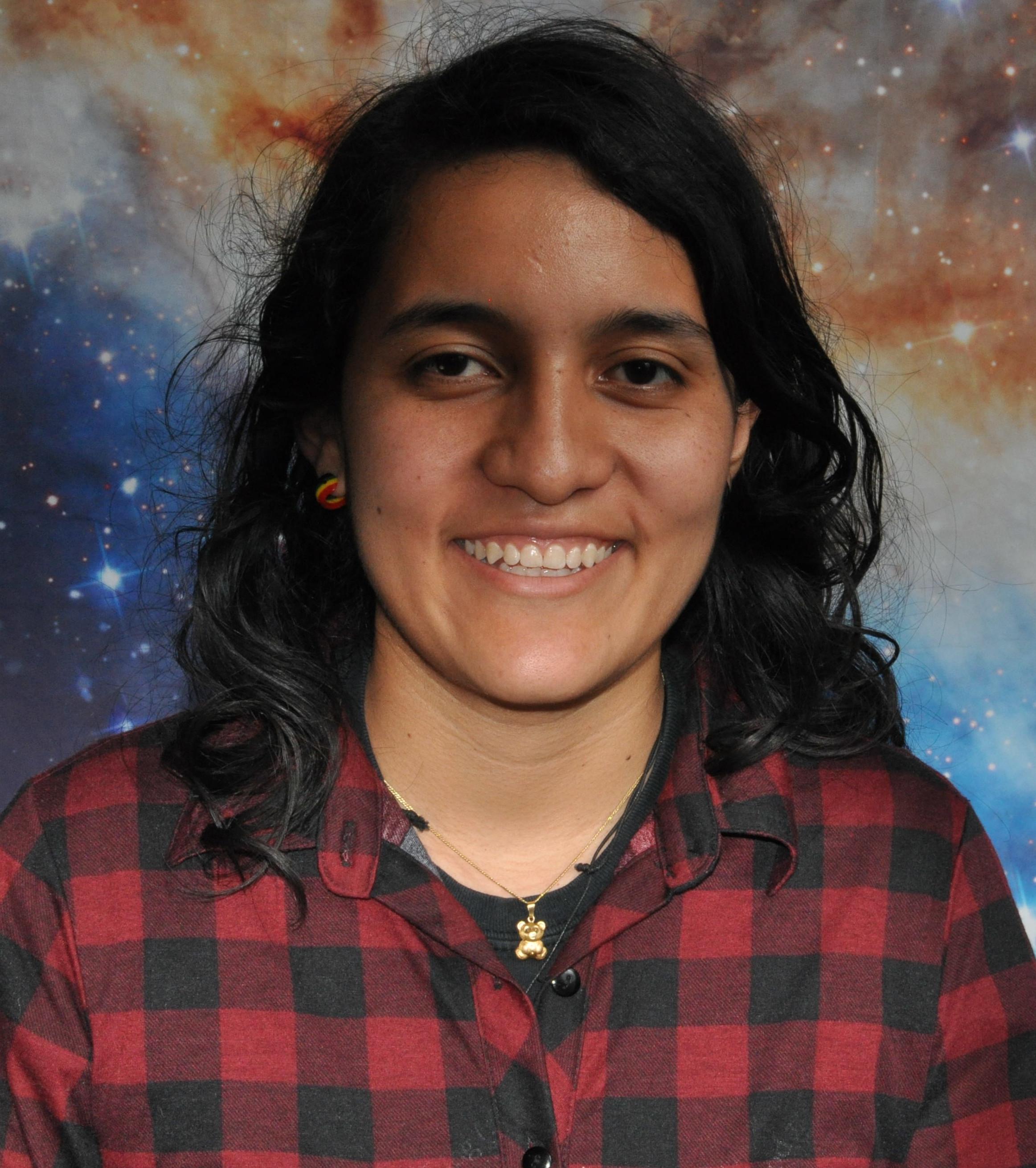 Laura Tenelanda  Universidad Eafit