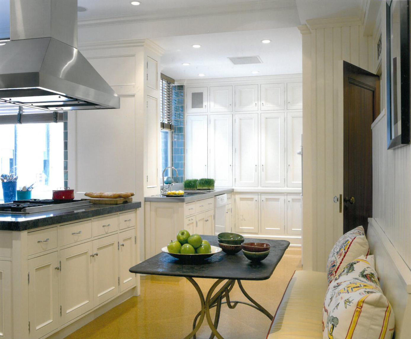 Riverside Drive Kitchen 200dpi.jpg