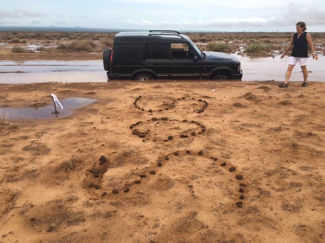 Me and my SOS sign (Kaisut desert).JPG