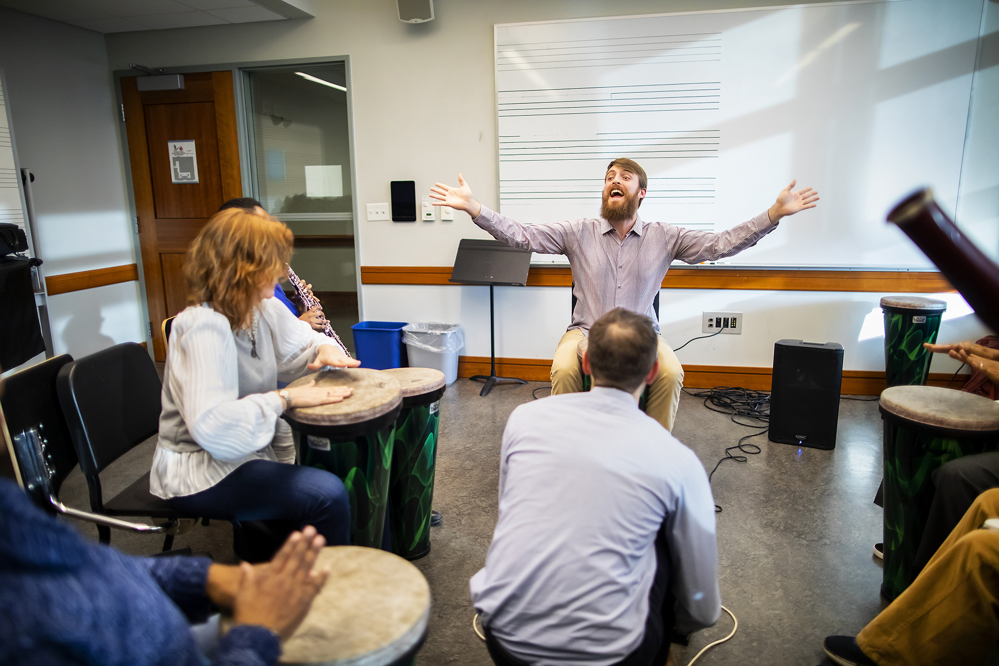 Nick leads a group composition exercise featuring a looping pedal. Photo by Eric Sucar/Penn University Communications.