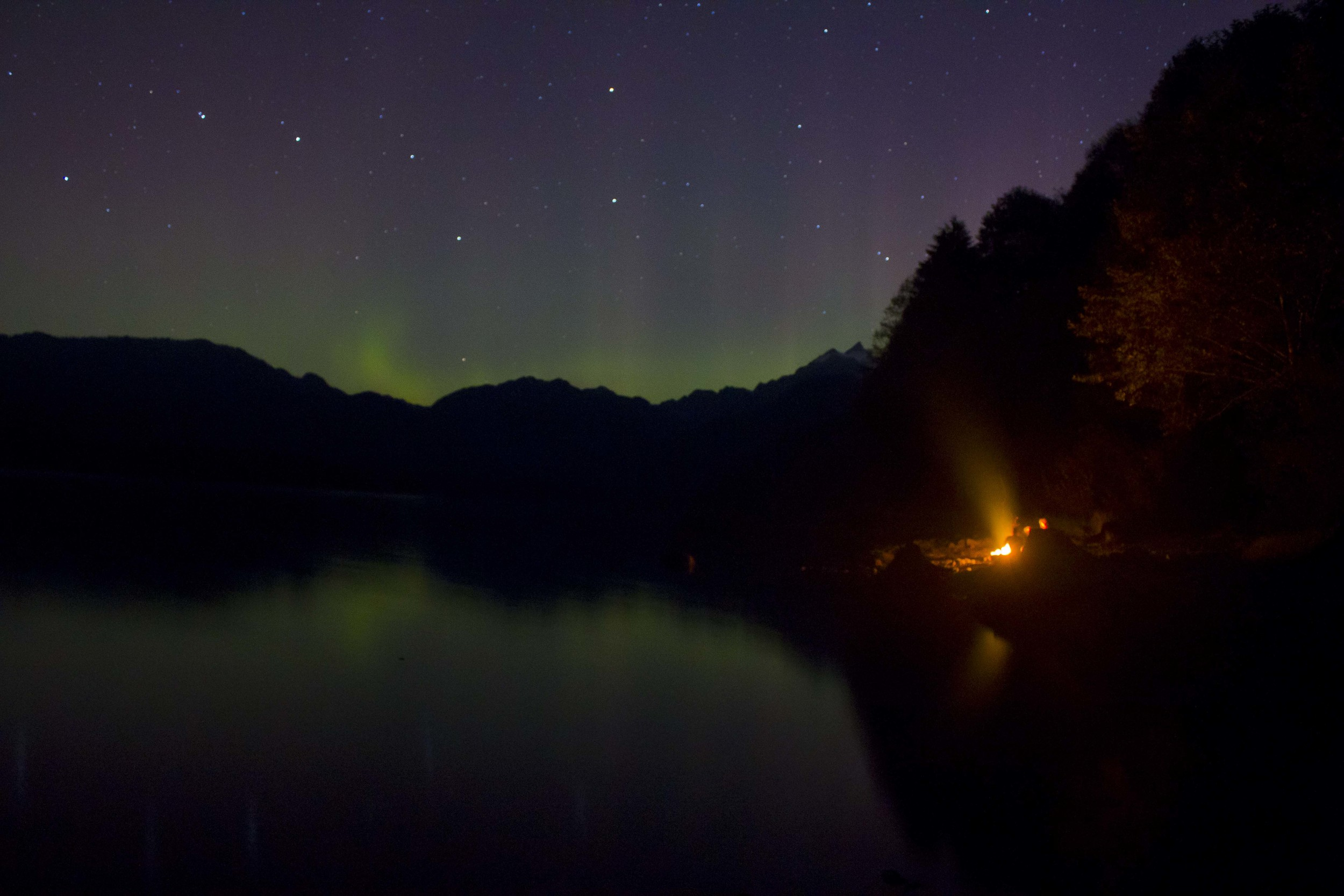 Got a chance to see/shoot the Northern Lights for the first time near Mount Baker. Maple Grove, 2015.