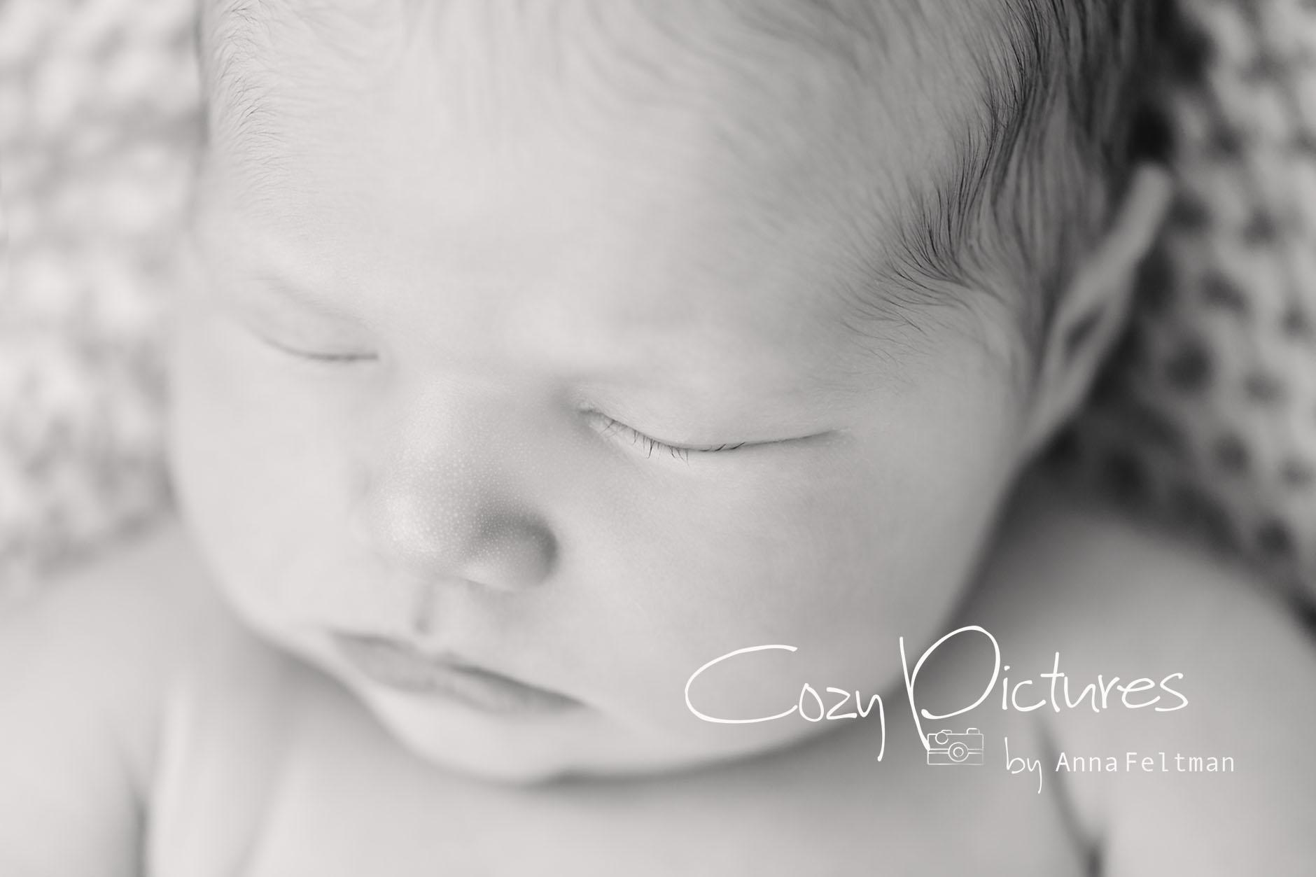 Newborn_Orlando_4_cozy_pictures.jpg